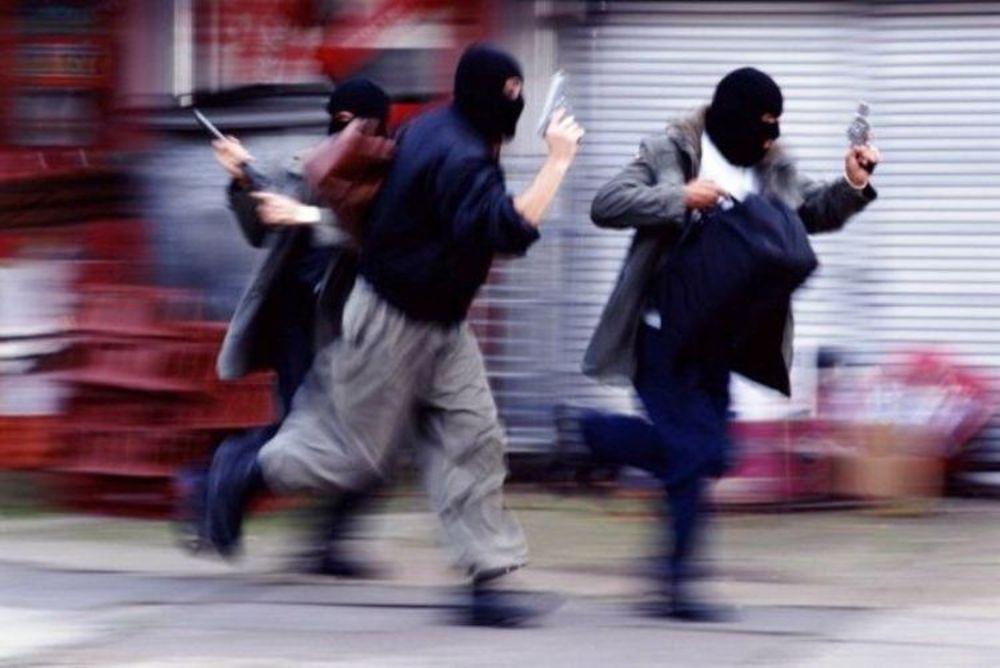 سرقت مسلحانه مرگبار در مهاباد/سارقان در حال تعقیب هستند