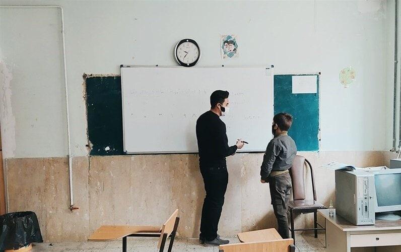 درباره بازگشايي مدارس و واكسيناسيون معلمان | با «شاد» ادامه ميدهيم